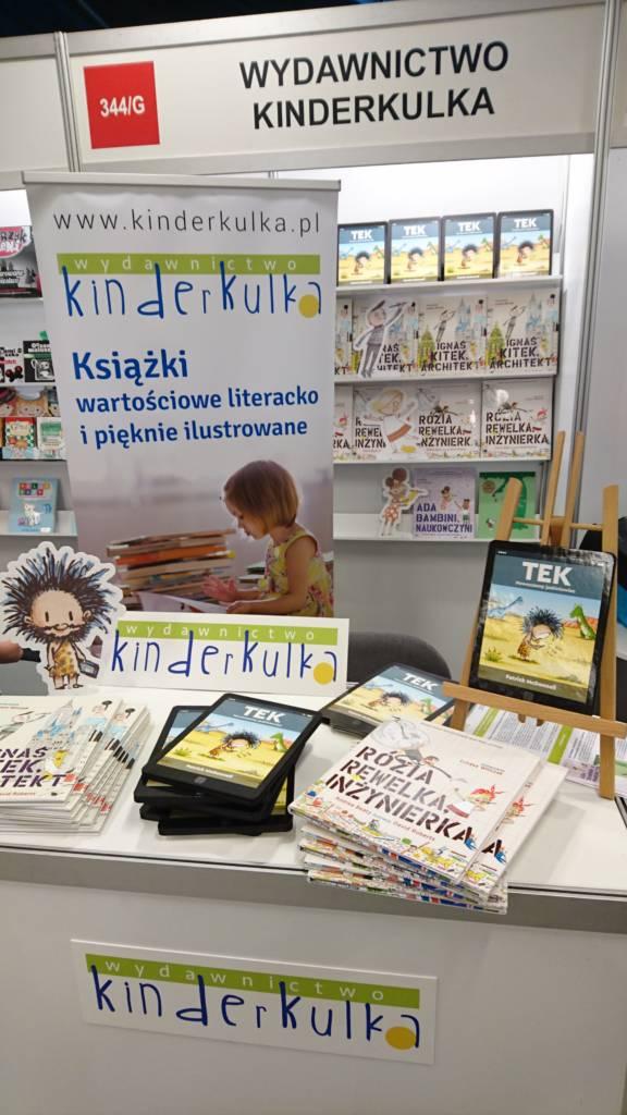 kinderkulka_stoisko_warszawskie_targi_ksiazki